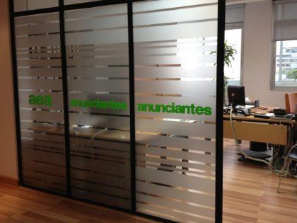 Las soluciones más avanzadas para vinilos en oficinas de Barcelona