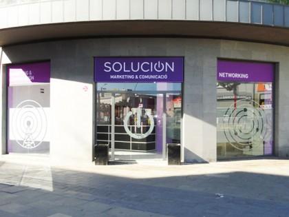 Rotulación y vinilos decorativos para SOLUCION